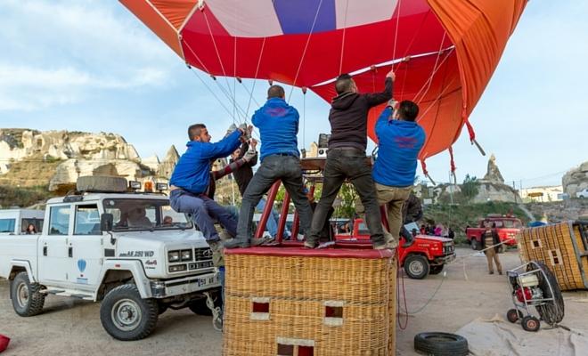 kapadokya balon kalkış hazırlıkları